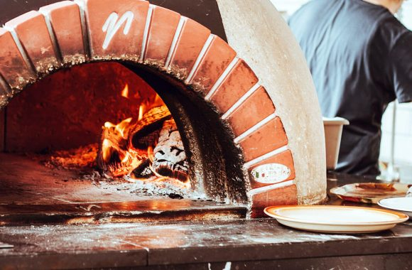 5 Lessons At-Home Pizza Makers Can Learn From the Pros